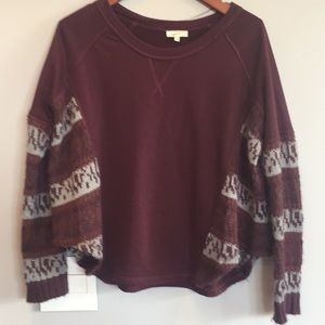 Mystree Sweatshirt with sweater inserts - Small